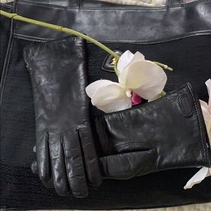 Coach black leather Shearling lined driving gloves